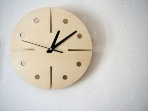 """Dřevěné nástěnné hodiny """"modern"""""""