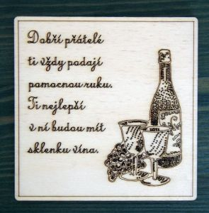 Podtácek na víno dřevěný