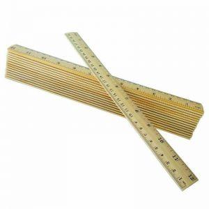 Dřevěné pravítko