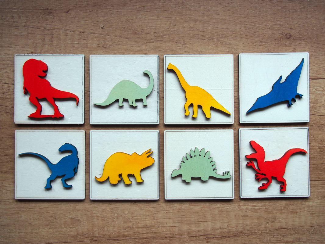 Sada dřevěných obrázků s motivy dinosaurů