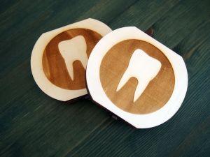 Dřevěná krabička na mléčné zoubky s českými popisky zub