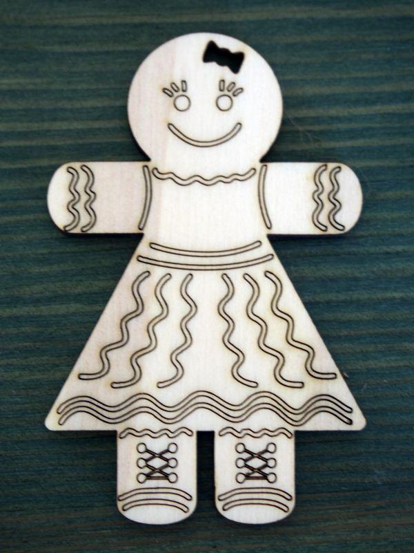 Dřevěná vánoční ozdoba perníková panenka
