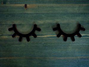 Spící oči, dekorace dřevěná nalepovací