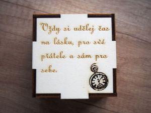 Dřevěná krabička na hodinky s vlastním textem, věnováním