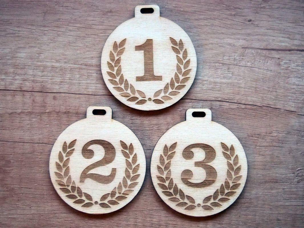 Medaile dřevěná 3ks věnec