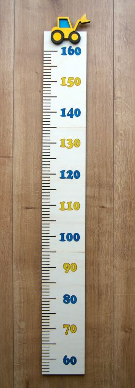 Dětský dřevěný metr na zeď s bagrem
