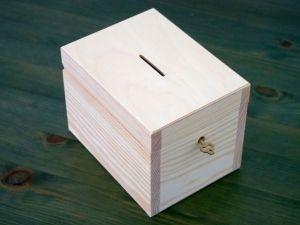 Dřevěná pokladnička na klíček