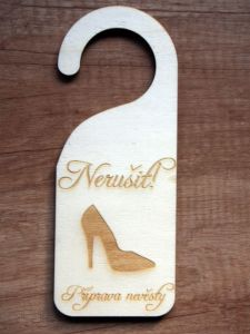 Dřevěná visačka NERUŠIT svatební 3ks