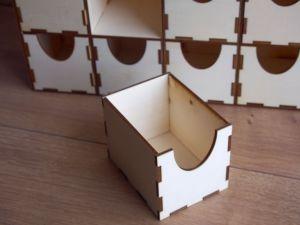 Dřevěný organizér se šuplíčky