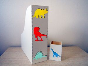 Set pořadače na papíry a stojánku na pastelky s dinosaury