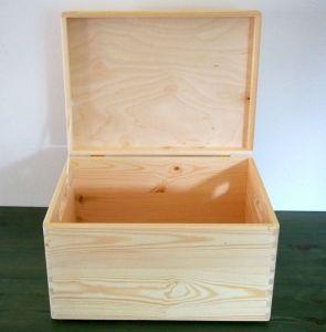 Velký dřevěný box s víkem