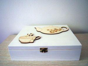 Dřevěná krabička na čaj, 12 přihrádek bílá s dekorací