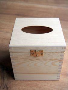 Dřevěná krabička na kapesníčky 13x13x13,5