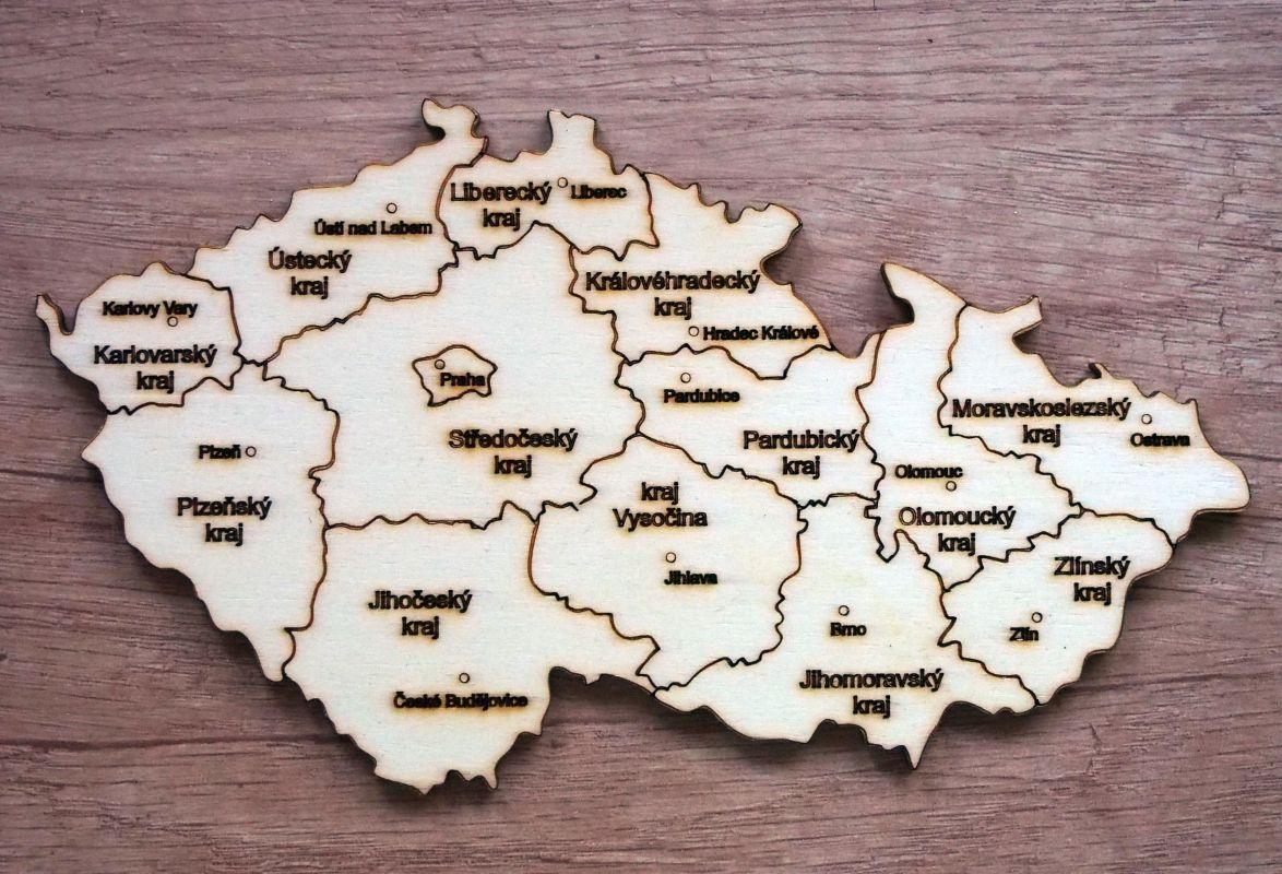 Dřevěná mapa ČR s kraji 18x10cm