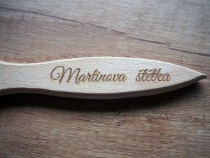 Dřevěná mašlovačka gravírovaná