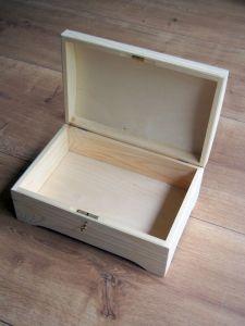 Dřevěná truhlička na klíček 30x20x13,5