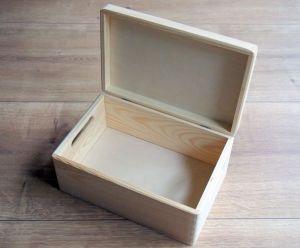 Dřevěný box s výklopným víkem a úchyty 30x20x13,5cm