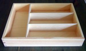 Dřevěný příborník