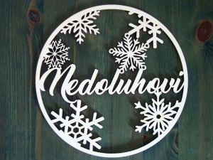 Dřevěný vánoční věnec na dveře se jménem