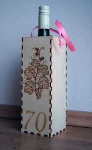 Dárkový box na víno se šňůrkou gravírovaný