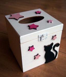 Dřevěná krabička na papírové kapesníky krychle barevná s kočkou