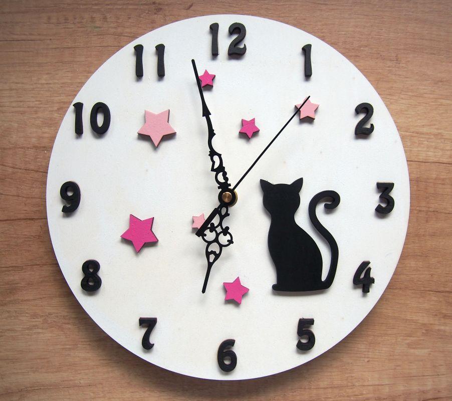 Nástěnné dětské hodiny s kočkou a hvězdičkami