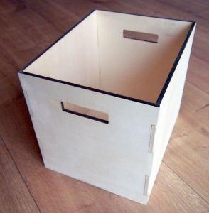 Boxy a krabičky otevřené,  bez víka